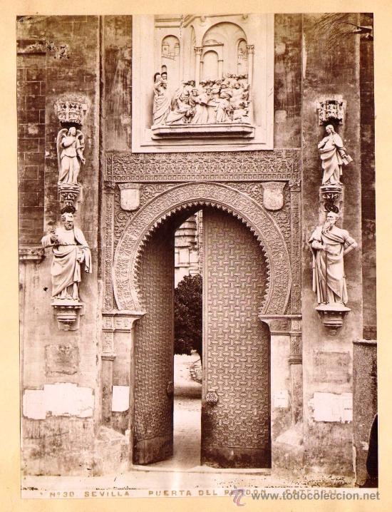 SEVILLA. 4 FOTOGRAFÍAS ALBUMINAS ENTRE 1870-1880. CATEDRAL (2) Y ALCAZAR (2). 17 X 23 CM: (Fotografía Antigua - Albúmina)