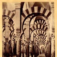 Fotografía antigua: FOTOGRAFIA ALBUMINA DE LA MEZQUITA DE CORDOBA. CA. 1880. 26X20 CM.. Lote 34376585