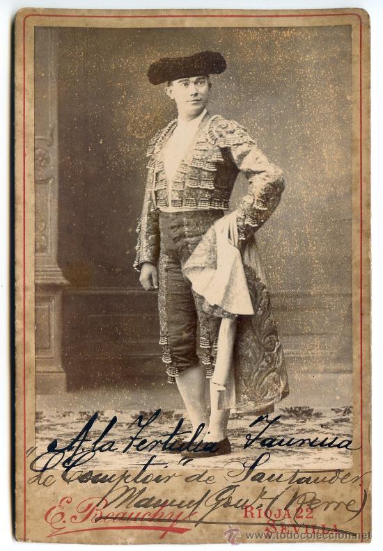FOTOGRAFÍA CON DEDICATORIA DEL TORERO MANUEL GONZÁLEZ, RERRE. E. BEAUCHY, SEVILLA. CIRCA 1900 (Fotografía Antigua - Albúmina)
