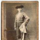 Fotografía antigua: FOTOGRAFÍA CON DEDICATORIA DEL TORERO MANUEL GONZÁLEZ, RERRE. E. BEAUCHY, SEVILLA. CIRCA 1900. Lote 35578824