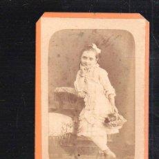 Fotografía antigua: FOTOGRAFIA ANTIGUA DE UNA NIÑA. A.POUGE. FRANCIA. 6 X 11CM.. Lote 48702050