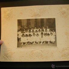 Fotografía antigua: ANTIGUA FOTO GRUPO DE NIÑAS. GRUPO ESCOLAR. Lote 39970829