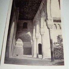 Fotografía antigua: ANTIGUA FOTOGRAFIA ALBUMINA DE LA ALHAMBRA DE GRANADA . GALERIA EN EL PATIO DE LOS ARRAYANES - LAUR. Lote 38245953
