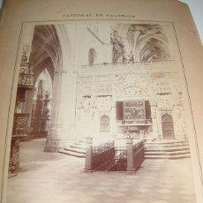 Fotografía antigua: ANTIGUA FOTOGRAFIA ALBUMINA DE LA CATEDRAL DE PALENCIA . TRASCORO - MIDE 22,5 X 16 CMS. SIN PASPARTO. Lote 38254847