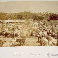 Photographie ancienne: ANTIGUA FOTOGRAFIA ALBUMINA DE TANGER (MARRUECOS), MERCADO, SIGLO XIX, MIDE 20 X 15 CMS. VA PEGADA E. Lote 38255352