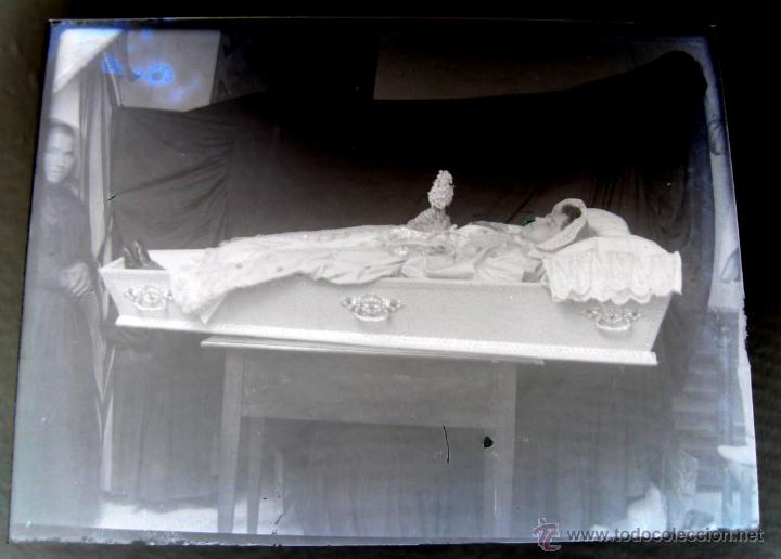 ANTIGUA FOTOGRAFIA NEGATIVO EN CRISTAL POST MORTEM DE JOVEN MUERTA O CADAVER - VER LAS FOTOS QUE HEM (Fotografía Antigua - Albúmina)
