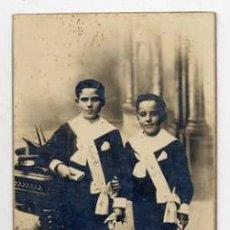 Fotografía antigua: FOTO PALLEJA TARRAGONA NIÑOS PRIMERA COMUNION TAMAÑO POSTAL CON REVERSO. Lote 40523630