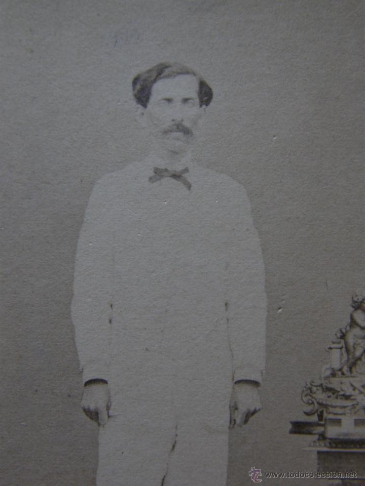 Fotografía antigua: fotografía señor traje blanco y pajarita quizás Cubano sin sello de fotógrafo finales siglo XIX - Foto 3 - 40902373