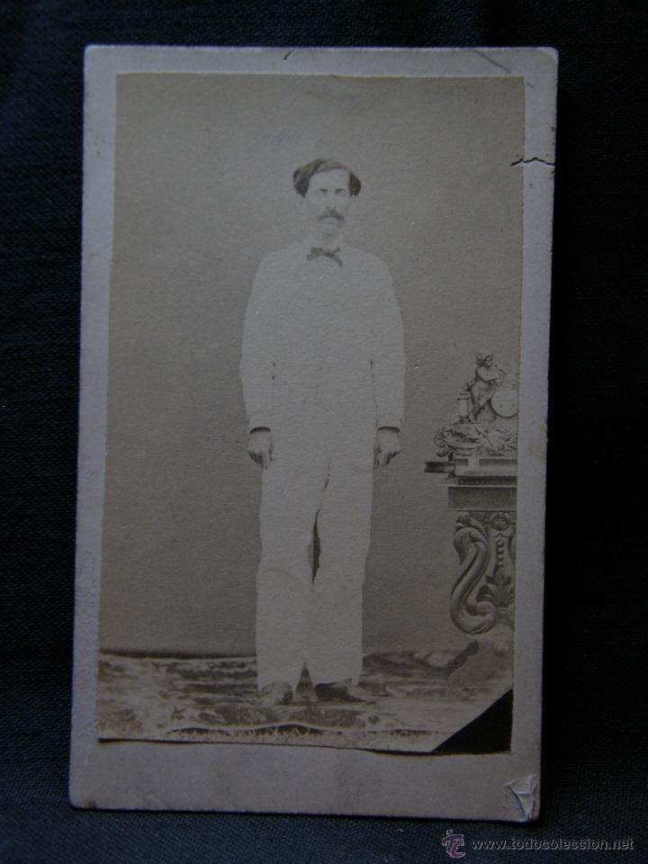 Fotografía antigua: fotografía señor traje blanco y pajarita quizás Cubano sin sello de fotógrafo finales siglo XIX - Foto 4 - 40902373