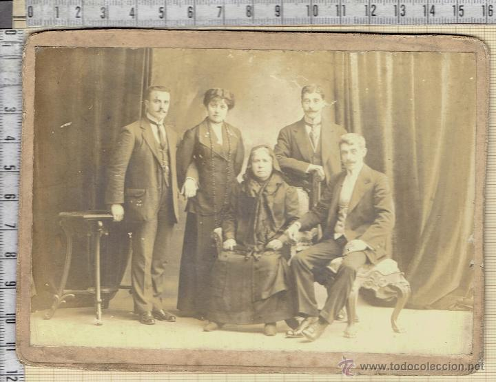 FOTO FAMILIAR ESTUDIO 1913. (Fotografía Antigua - Albúmina)
