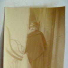Fotografía antigua: MILITAR DE ARTILLERIA CON CAPA , OFICIAL . SIGLO XIX (?). 6 X 7 CM. Lote 41342830