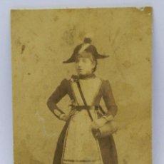 Fotografía antigua: ANTIGUA FOTOGRAFIA ALBUMINA DE MUJER VESTIDA DE CANTINERA NAPOLEONICA, FOTO F. DE PABLO, MADRID, MID. Lote 42259502