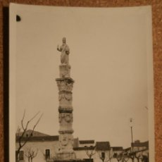 Fotografía antigua: ANTIGUA FOTOGRAFÍA - COLUMNA ROMANA - MÉRIDA - AÑO 1946 - 85 X 60 MM.. Lote 56725942