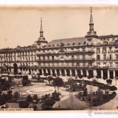 Fotografía antigua: MADRID, LA PLAZA MAYOR, 1870'S. FOTO: LAURENT, 332. 33,5X25 CM.. Lote 43746669