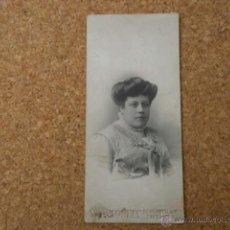 Fotografía antigua: FOTO POSTAL SRA CON FOTOGRAFO I BUSQUETS BARCELONA ALBUMINA-867. Lote 43783003