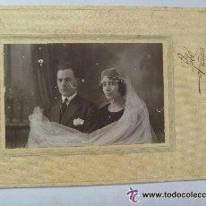 Fotografía antigua: FOTO DE ESTUDIO DE BODA AÑOS 10 . FOTO : RIBÓ , BARCELONA . 15 X 23 CM... Lote 43806007