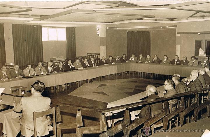 VIGO 1970 - ASAMBLEA DEPORTE - GARCIA PICHER, MARTIN BARREIRO, ... FOTO 24X15 ARCHIVO FARO DE VIGO (Fotografía Antigua - Albúmina)