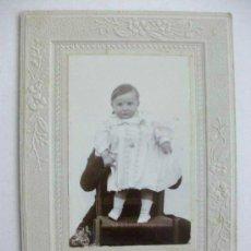 Fotografía antigua: FOTO DE ESTUDIO DE NIÑO DEL SIGLO XIX . 10 X 14 CM. FOTO: MANUEL MEDINA ¿ HUELVA ? ... Lote 44695970
