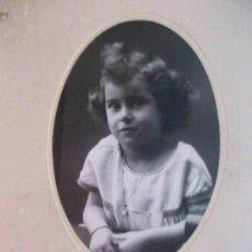 Fotografía antigua: FOTO DE ESTUDIO DE NIÑA . FOTO: DUARTE , OVIEDO . 1924 .. DE 7 X 10 CM SOBRE CARTON DE 13 X 20 CM.. Lote 45421375