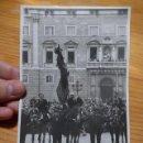 Fotografía antigua: ANTIGUA FOTOGRAFIA DE PLAÇA SANT JAUME, GENERALITAT CATALUNYA, TRES TOMBS ?? AÑOS 30. Lote 46184759