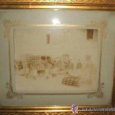 Fotografía antigua: ZARAGOZA SOLDADOS INTENDENCIA PREPARANDO CARROS MANIOBRAS FOTOGRAFO CONSTANTINO GRACIA HACIA 1890 . Lote 46381004