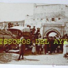 Fotografía antigua: FOTOGRAFIA ORIGIANAL DEL DRAMATURGO Y CONSUL DE ESPAÑA JACINTO BENAVENTE, MONTANDO EN EL AUTOMOVIL P. Lote 46424324