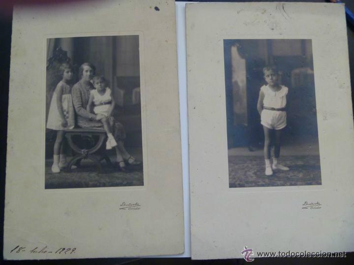 LOTE DE 2 FOTOS NIÑO CON PANTALON CORTO Y FAMILIA. DE DUARTE , OVIEDO . 15 X 22 CM (Fotografía Antigua - Albúmina)