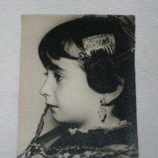 Fotografía antigua: BONITA FOTOGRAFIA ANTIGUA, RETRATO DE UNA NIÑA FALLERA, FOTO RIBERA VALENCIA 1960. Lote 47332342
