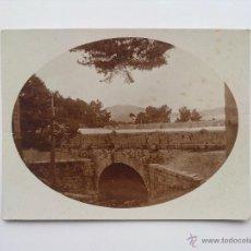 Fotografía antigua: FOTOGRAFIA, ANTIGUO CAMINO CON PUENTE ROMANO, LO RECONOCE. Lote 47432231
