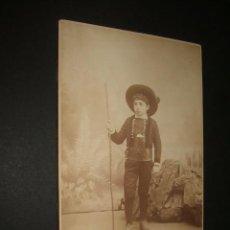 Fotografía antigua: RETRATO DE NIÑO CON TRAJE DE CHARRO SALAMANCA F DE PABLO FOTOGRAFO MADRID HACIA 1880. Lote 47437308