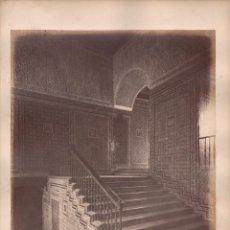 Fotografía antigua: SEVILLA, 1426. ESCALERA DE LA CASA DE PILATOS, FOTO: LAURENT. MADRID. 25X34 CM.. Lote 50230438