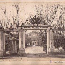 Fotografía antigua: TOLEDO, 594. ENTRADA DE LA FÁBRICA DE ARMAS, FOTO: LAURENT, MADRID. 25X34 CM.. Lote 50230690