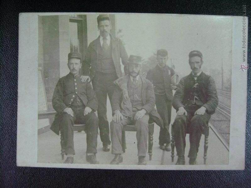 FOTOGRAFIA PERSONAL DE ESTACION DE FERROCARRIL F. DEL XIX, P. DEL XX (Fotografía Antigua - Albúmina)