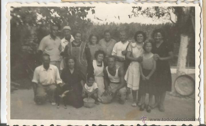 Antigua foto en blanco y negro en papel de una comprar - Familias en blanco y negro ...