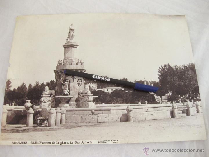 FOTOGRAFÍA ALBÚMINA DE J. LAURENT. 24,5 X 33,5. ARANJUEZ 123 BIS. FUENTES DE LA PLAZA DE SAN ANTONIO (Fotografía Antigua - Albúmina)