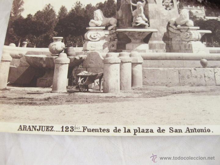 Fotografía antigua: FOTOGRAFÍA ALBÚMINA DE J. LAURENT. 24,5 X 33,5. ARANJUEZ 123 BIS. FUENTES DE LA PLAZA DE SAN ANTONIO - Foto 2 - 52291956