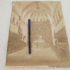 Fotografía antigua: FOTOGRAFÍA ALBÚMINA DE J. LAURENT. 26 X 33,5. LA CARTUJA BURGOS 1576. VISTA INTERIOR DEL TEMPLO. Lote 52305235