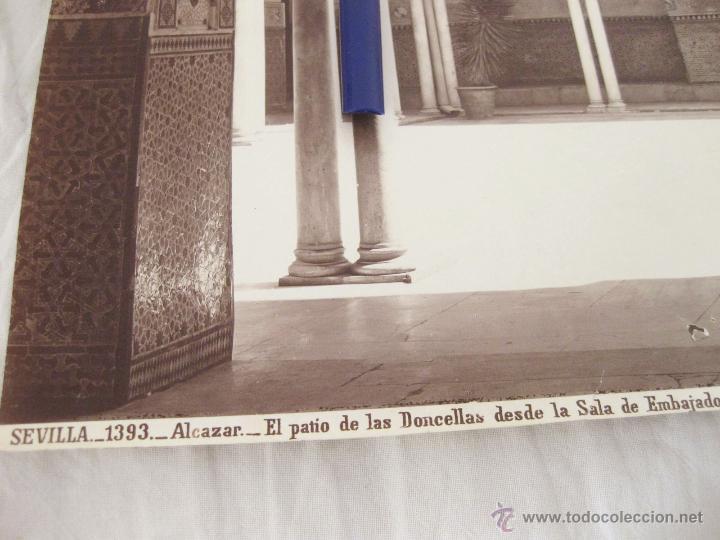 Fotografía antigua: FOTOGRAFÍA DE J. LAURENT. 24,5 X 32. SEVILLA 1393. ALCAZAR. EL PATIO DE LAS DONCELLAS DESDE LA SALA - Foto 2 - 52315221