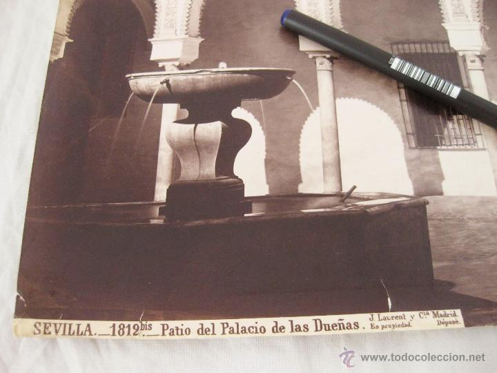 Fotografía antigua: FOTOGRAFÍA ALBÚMINA DE J. LAURENT. 26,5 X 35,5. SEVILLA 1812 BIS. PATIO DEL PALACIO DE LAS DUEÑAS - Foto 2 - 52315252