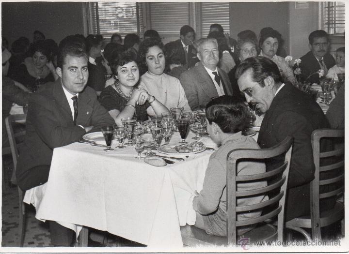Fotografía antigua: LOTE DE 6 FOTOS DE BODAS Y COMIDAS AÑOS 60 - Foto 4 - 53016434