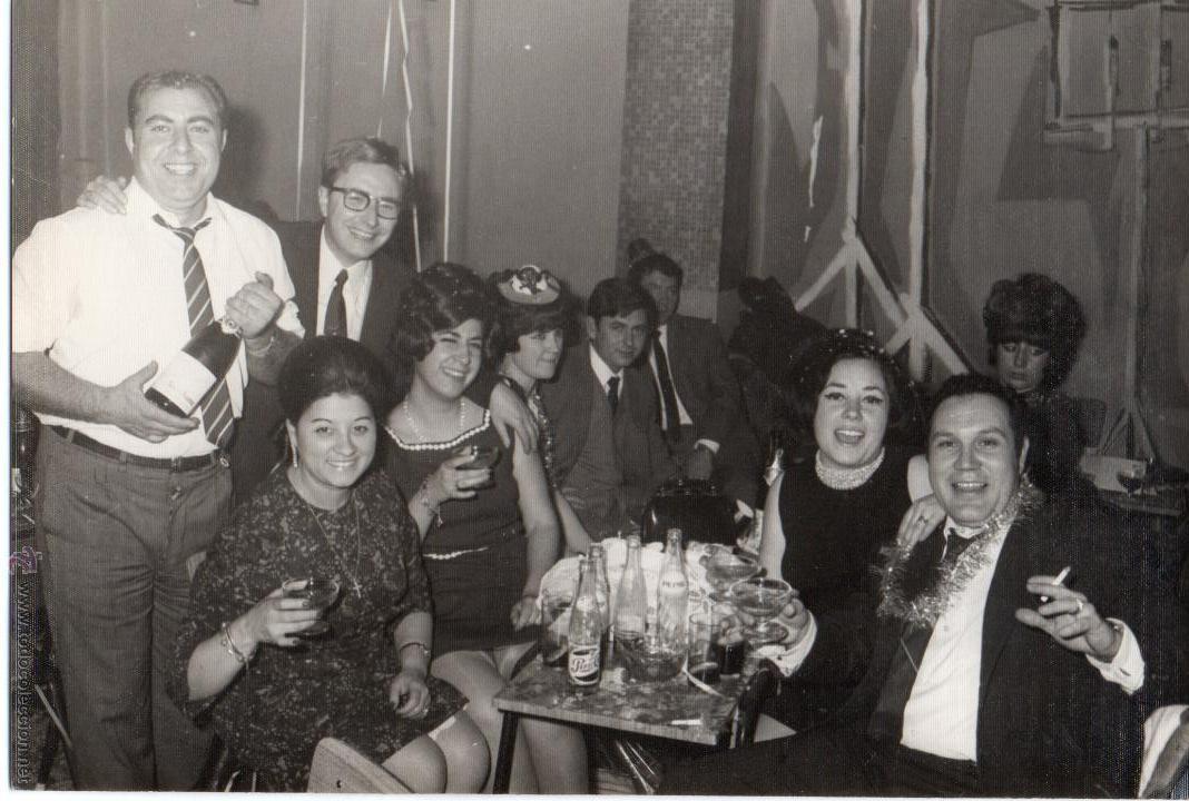 Fotografía antigua: LOTE DE 6 FOTOS DE BODAS Y COMIDAS AÑOS 60 - Foto 6 - 53016434