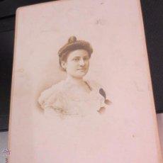 Fotografía antigua: FOTO ALBÚMINA RETRATO SEÑORA AÑO 1900. Lote 53137475