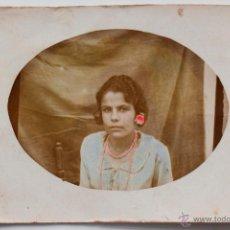Fotografía antigua: FOTOGRAFÍA COLOREADA DE UNA CHICA JOVEN. 6,8 X 9CM. Lote 53716774