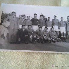 Fotografía antigua: TARRAGONA - FOTOGRAFIA EQUIPO FUTBOL - PEÑA FEMINA - 26 OCTUBRE 1947 - FOTO VALLVE HIJO. Lote 53941936