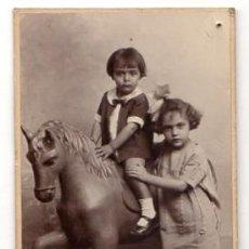 Fotografía antigua: TARJETA POSTAL FOTOGRAFICA CON ESCENA INFANTIL. HARO HERMANOS. CARTAGENA. MURCIA. CIRCA 1920. Lote 54691181