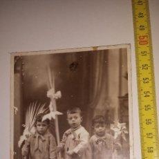 Fotografía antigua: TRIO NIÑOS DIA DE LA PALMA - DAGUERRE. Lote 54841235