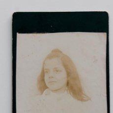 Fotografía antigua: RETRATO DE NIÑA A FINALES DEL 1800. 8 X 12,5 CM. Lote 55342460