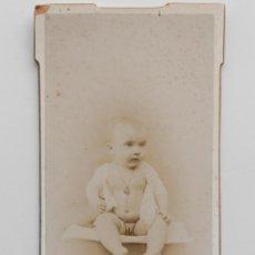 Fotografía antigua: NIÑA DESNUDITA EN ESTUDIO. R. MONTES FOTÓGRAFO, MADRID 1900. Lote 55430803