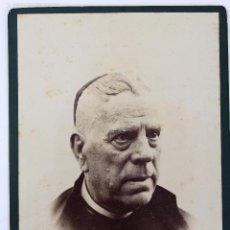Fotografía antigua: F-1875. FOTOGRAFIA DE ESTUDIO DE UN SACERDOTE. FINAL SIGLO XIX. BARCELONA.. Lote 56151247