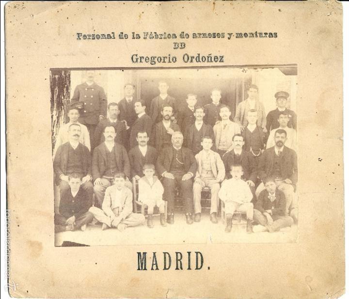 MADRID. PERSONAL DE LA FABRICA DE ARNESES Y MONTURAS DE GREGORIO ORDOÑEZ, CABALLO (Fotografía Antigua - Albúmina)